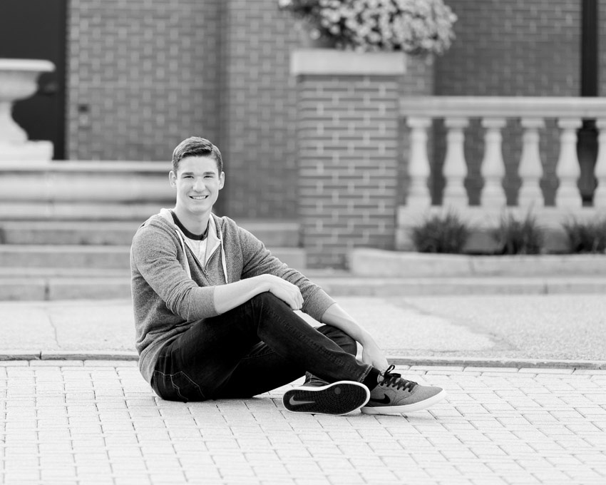 Brennan senior pic in downtown Ford City 2017